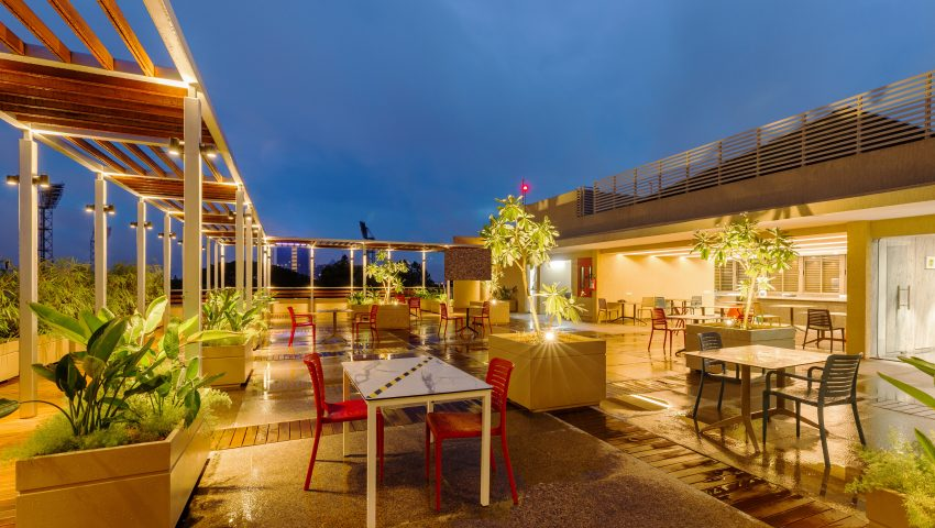 Vaishnavi Meridian roof top cafeteria | Best Corporate Workplace is now available to occuy at Infantry Road, bengaluru