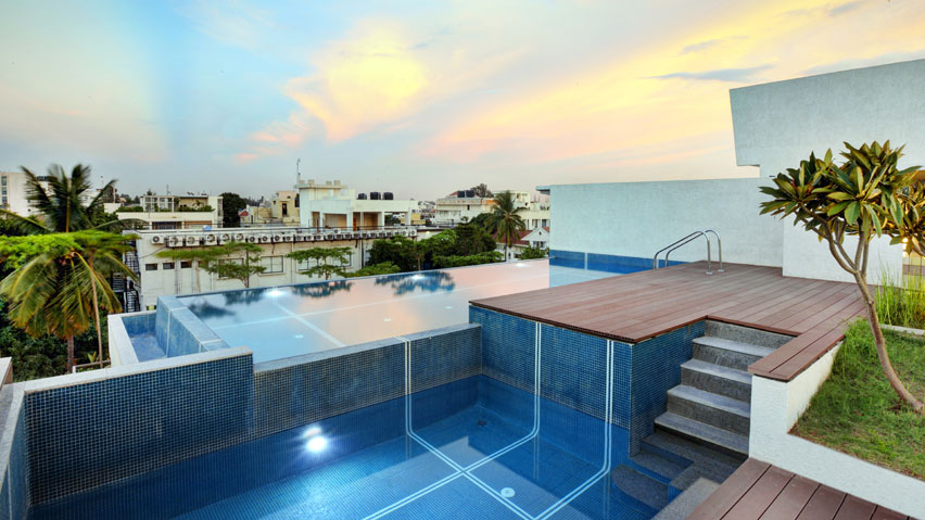 Vaishnavi Prime swimming pool | luxurious 3 BHK ready to occupy flats are for sale at Langford, bengaluru
