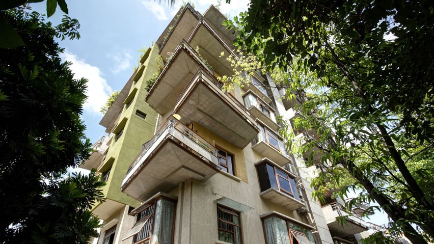 Vaishnavi Symphony bottom to top side view | Ready to occupy 3 BHK flats are for sale in Malleshwaram, bengaluru