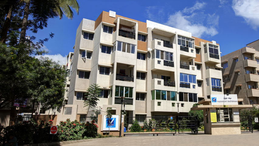 Vaishnavi Rathnam front entrance view   Luxury 2 BHK & 3 BHK flats are for sale in Jalahalli West, bengaluru