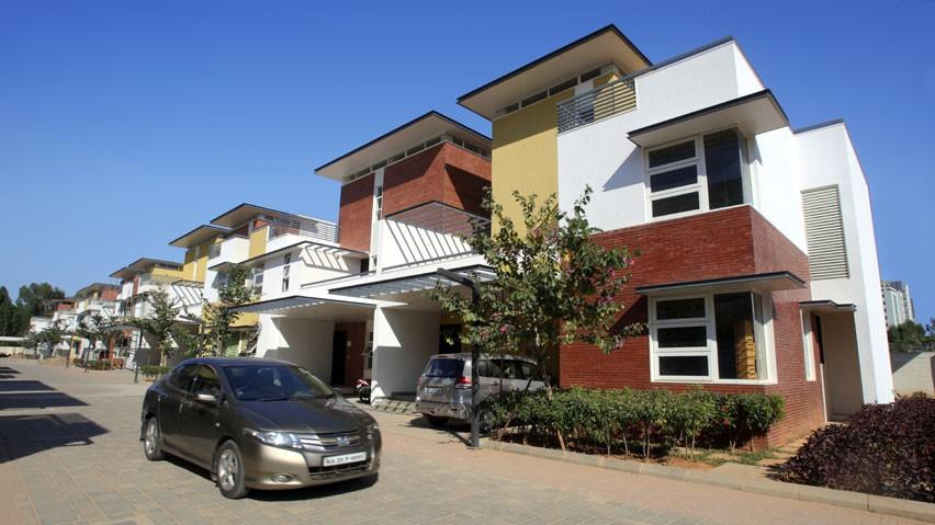 vaishnavi-commune-road-view